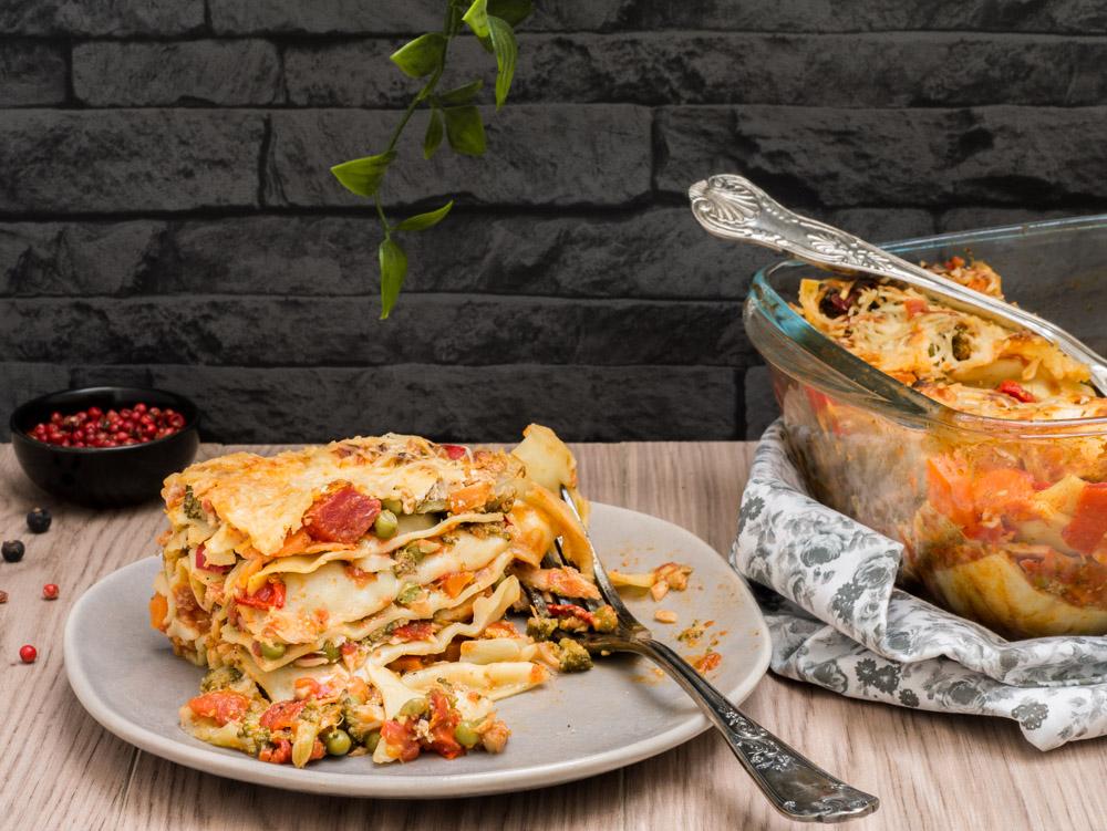 photographie et stylisme culinaire : lasagne saumon fumé et légumes - Youcookme