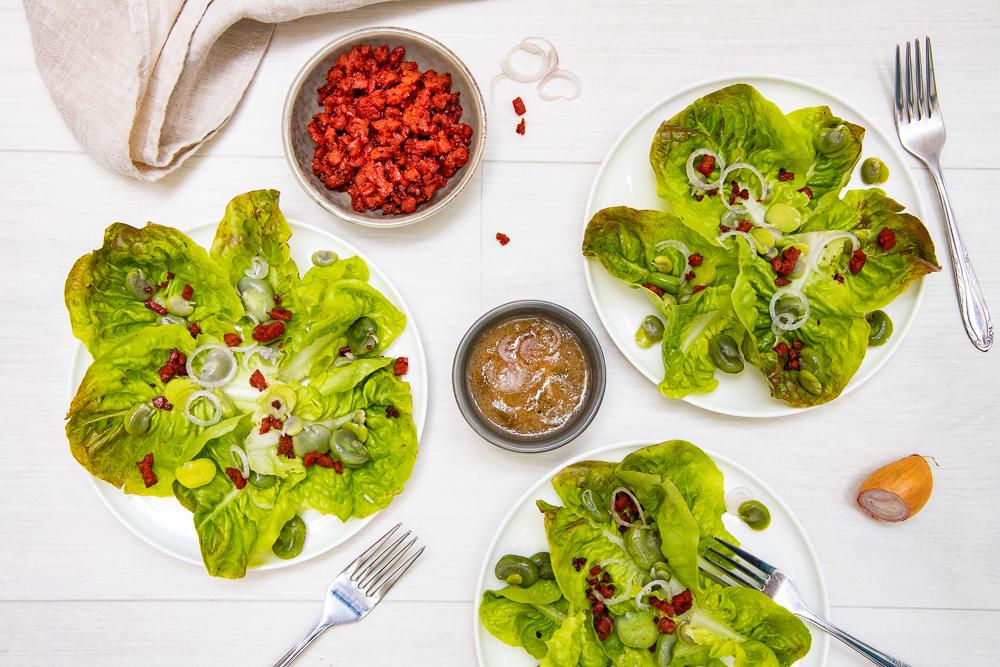 photographie et stylisme culinaire : salade fèves et chorizo croustillant - Youcookme